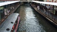 Vista superior del barco express en Bangkok, Tailandia