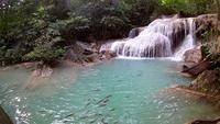Cachoeira Erawan, Parque Nacional Erawan em Kanchanaburi, Tailândia