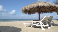 Cadeiras na praia
