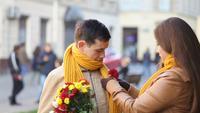 Jovem casal compartilha momentos adoráveis