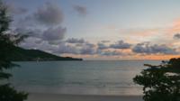 La puesta de sol en la playa