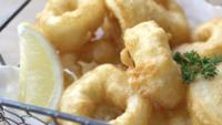 Gebakken Inktvis Calamari Met Saus