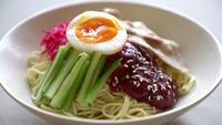 bibim naengmyeon - korean cold noodles ramen