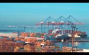 Der Frachthafen