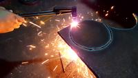 Cortar una forma redonda en un acero con gas