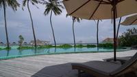 Lounge rond zwembad