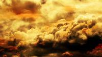 Gouden avond wolken