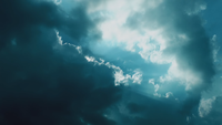 La luz del sol a través de las nubes