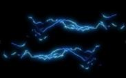 Blauwe bliksem op een zwarte achtergrond