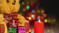 Velas e caixa de presente de brinquedo de urso