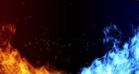 Vuur en ijs met vonk concept op zwarte achtergrond.