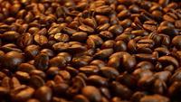 Granos de café fritos fragantes
