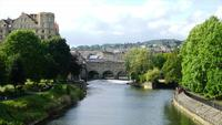 Bath City avec Pulteney Bridge au Royaume-Uni
