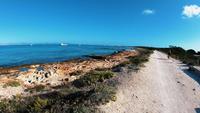 balearisk ö, formentera stenig strand