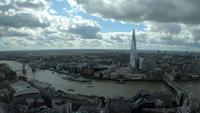 Skyline von London City mit Themse