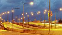 Dia de tráfego para a noite na Tailândia. 4K