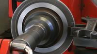 Machine de réparation de tour à disque de voiture au service
