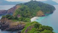 Vista aérea da bela ilha de areia branca