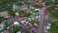 Vue de dessus du marché flottant d'Ampawa, Samutsongkhram, Thaïlande.