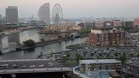 Skymningstid förfaller vid Minato Waterfront, Japan.