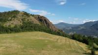 Vliegen over de Pietra Parcellara-berg