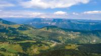 Vista aérea de Monte Baldo, Lessinia, Itália