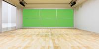 Gran monitor de pared de TV en un estudio de noticias con pantalla verde