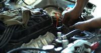 Réparation de voiture en atelier