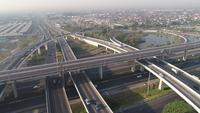 Vista aérea del tráfico de la carretera