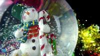Sphère de bonhomme de neige et mouvement de neige
