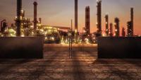 Große Fabrikrohre in der Stadt
