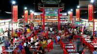 Time lapse night dans la ville de Pattaya, China Town.