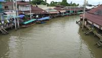 Boot im Kanal